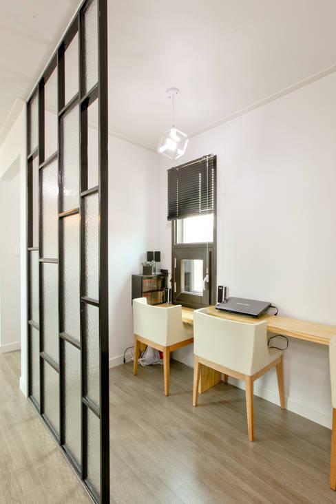 Salas de estar  por 한글주택(주)
