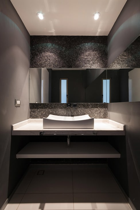 Bathroom by BCA Arch and Interiors