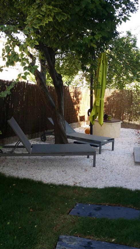 Jardines de estilo  por Le Jardin Qui Bouge