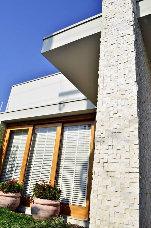 Maisons de style  par Lozí - Projeto e Obra