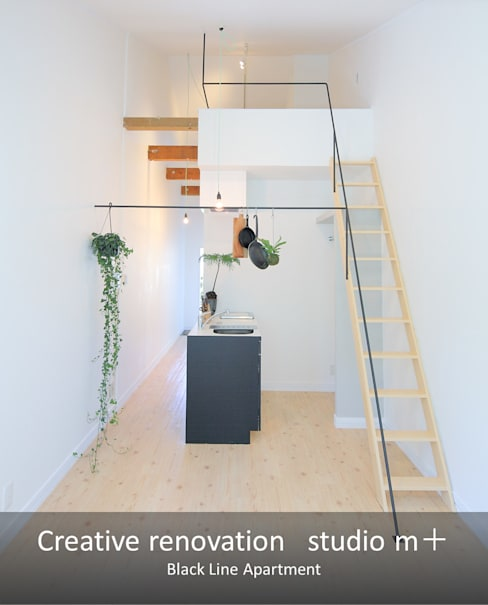 リビング: studio m+ by masato fujiiが手掛けたリビングです。