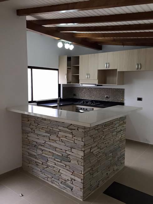 Кухни в . Автор – ALSE Taller de Arquitectura y Diseño
