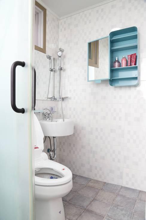 Ванные комнаты в . Автор – OUA 오유에이