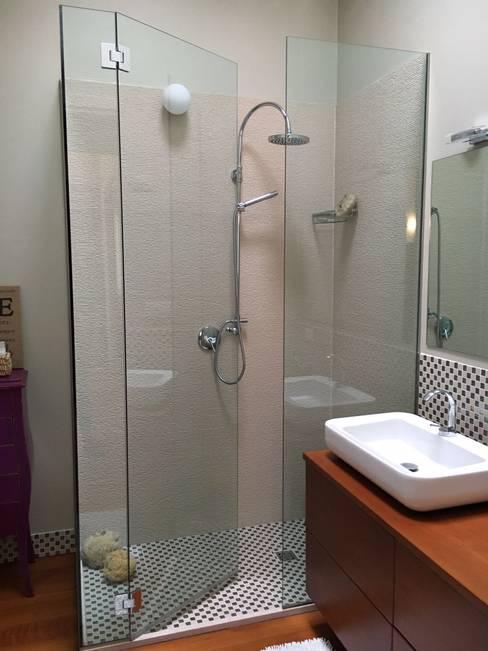 Salle de bains de style  par bilune studio