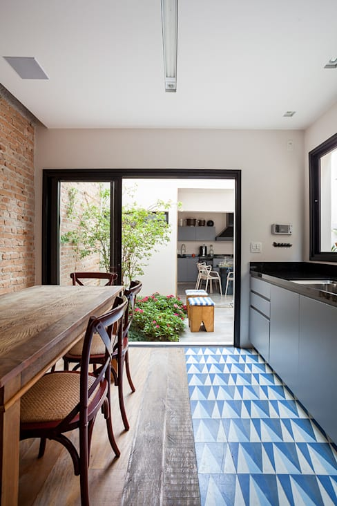 Küche von Tria Arquitetura