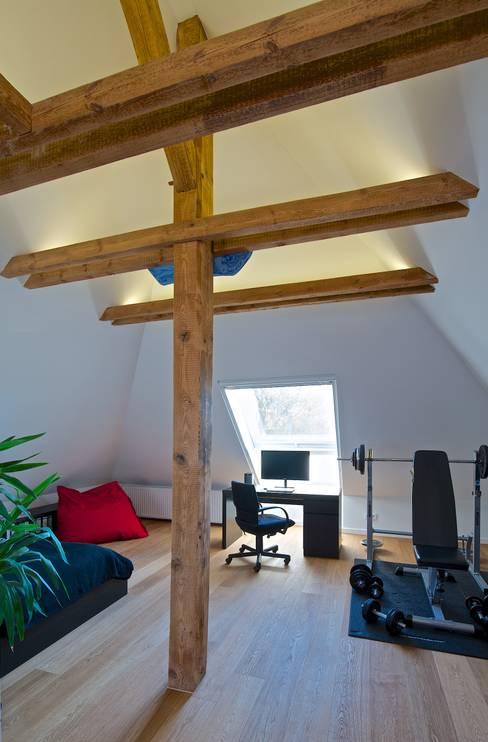 Study/office by GRID architektur + design