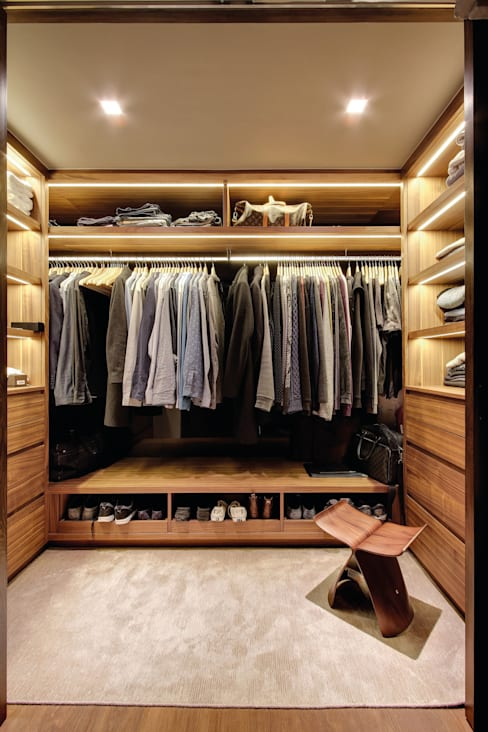 Dressing room by LUV-Architecture & Design