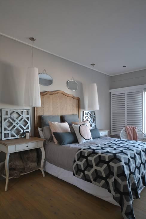 Dormitorios de estilo  de Nieuwoudt Architects