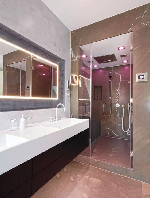Bathroom by HUBER NATURSTEIN bei München