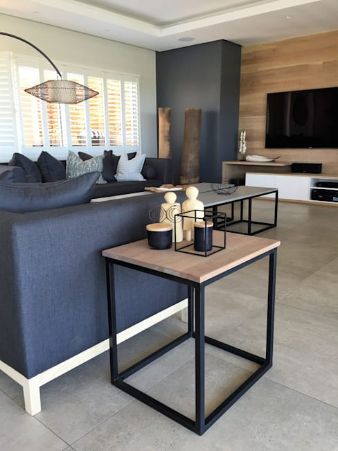 Simbithi Eco Estate:  Living room by Margaret Berichon Design