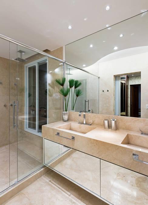 Ванные комнаты в . Автор – Designer de Interiores e Paisagista Iara Kílaris