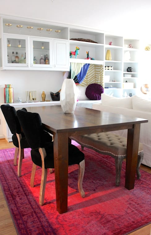 Bright and Eclectic Foggy Bottom Apartment:  Dining room by NAFASI