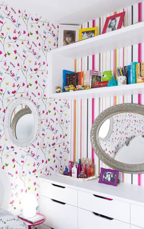Dormitório de menina: Quartos  por arquiteta aclaene de mello