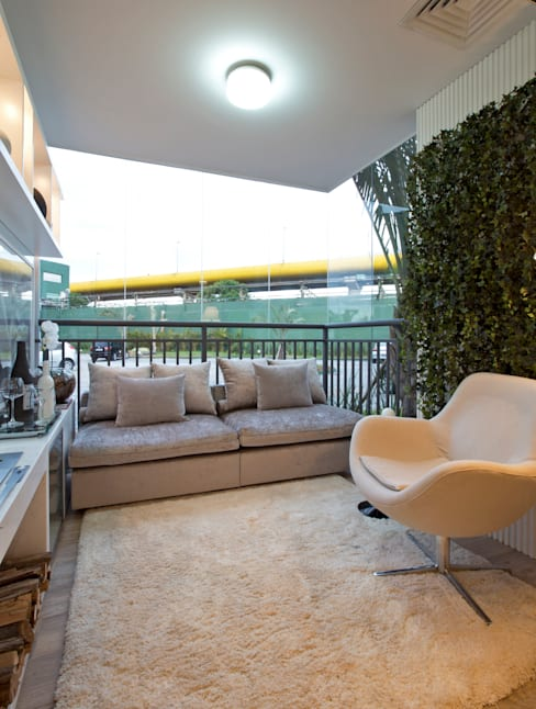 MAC_NEW RESIDENCE IPIRANGA 53m²: Terraços  por Chris Silveira & Arquitetos Associados