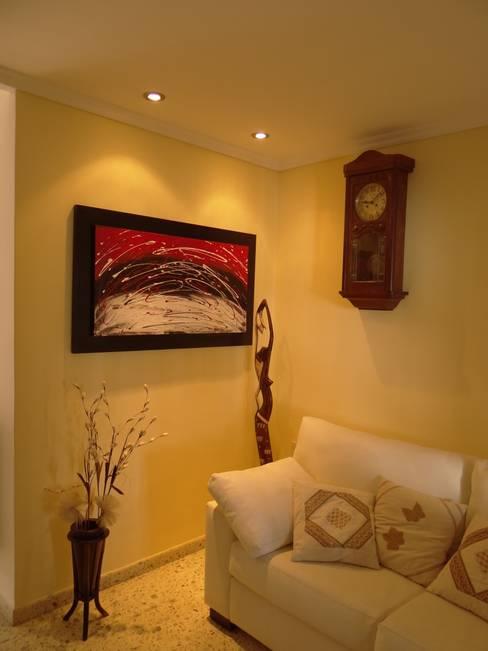 Living room by D'ODORICO OFICINA DE ARQUITECTURA