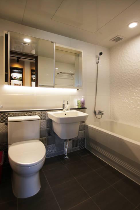 Banheiros  por 로이하우스