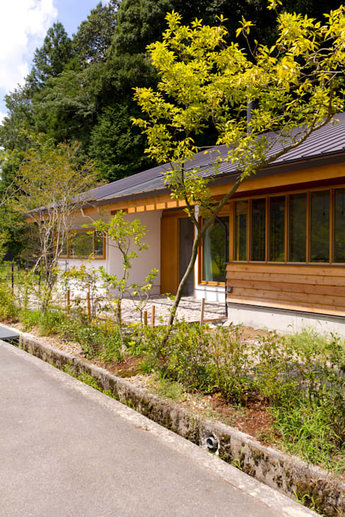 Casas de estilo  por エイチ・アンド一級建築士事務所 H& Architects & Associates