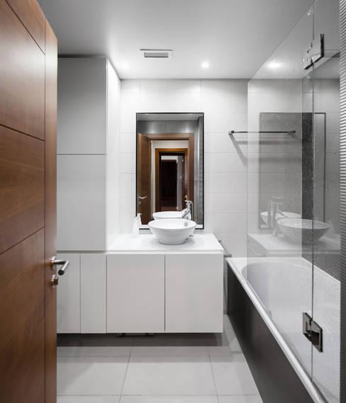 Bathroom by Estúdio AMATAM