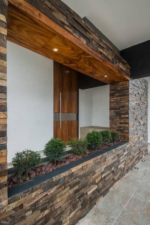 Casas de estilo  por ROKA Arquitectos