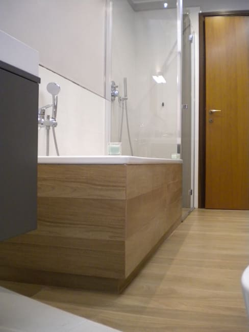 Bathroom by Architetto Alberto Colella