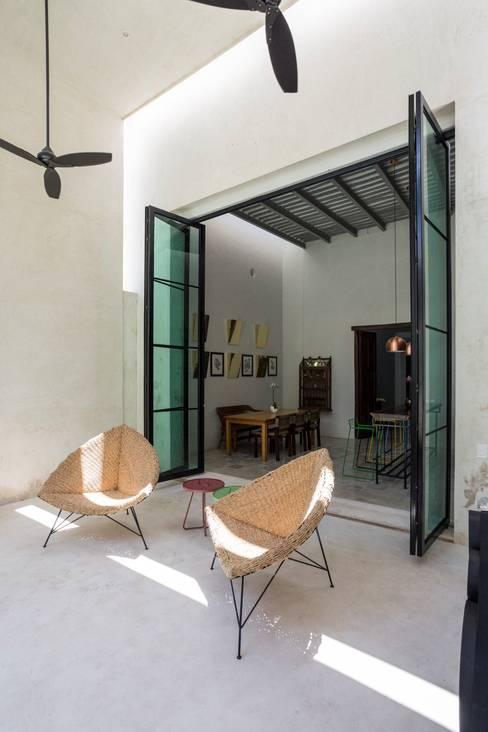 Projekty,  Okna zaprojektowane przez Taller Estilo Arquitectura