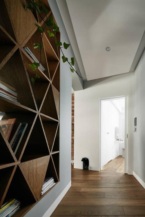 Corridor & hallway by BLACKHAUS