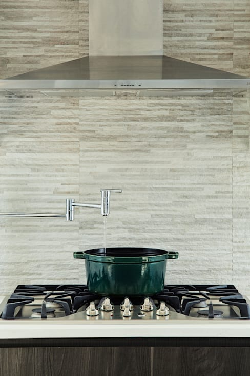 Carroll Street:  Kitchen by M Monroe Design