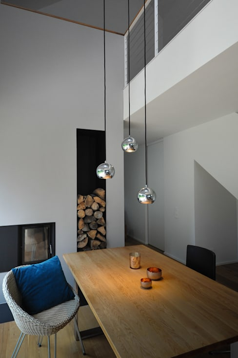 Dining room by GRIMM ARCHITEKTEN BDA