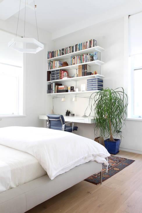 Chelsea Loft:  Bedroom by Maletz Design