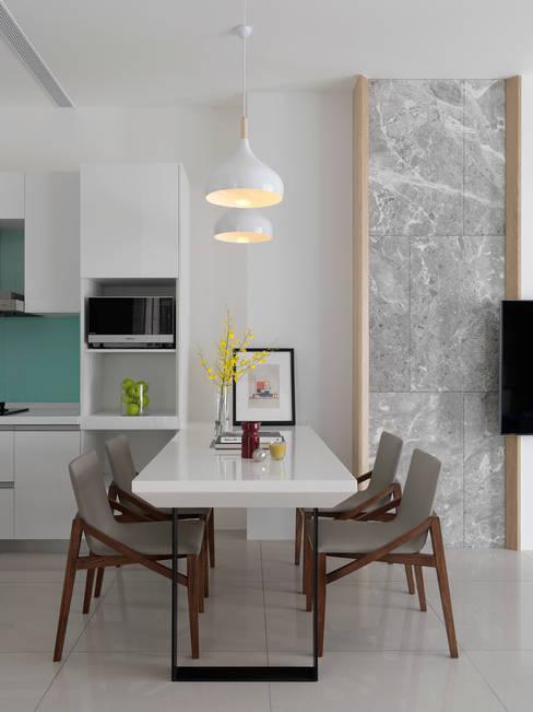 Dining room by 夏沐森山設計整合