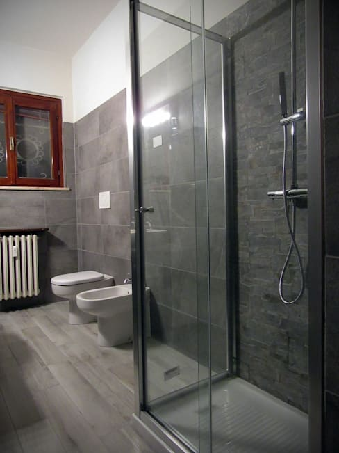 Bathroom by CARLO OMINI ARCHITETTO