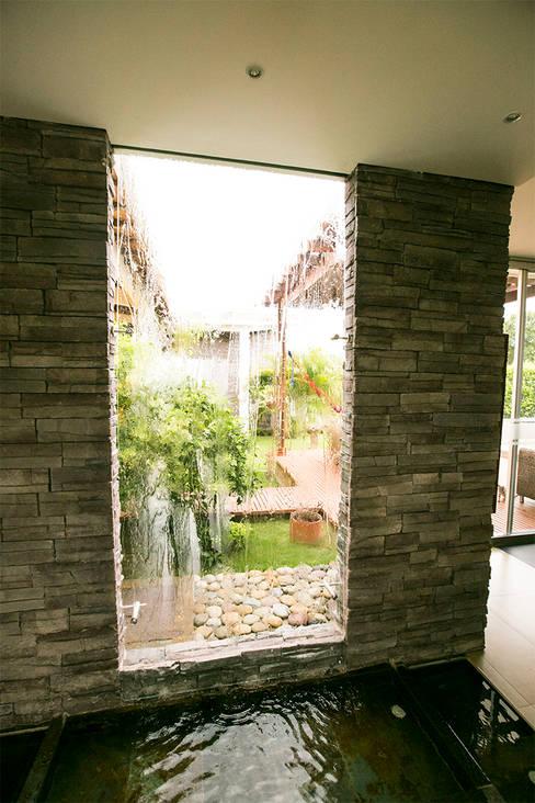 Jardines de estilo  por Arquitectura Positiva