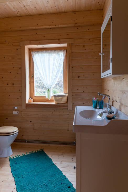ห้องน้ำ by THULE Blockhaus GmbH - Ihr Fertigbausatz für ein Holzhaus