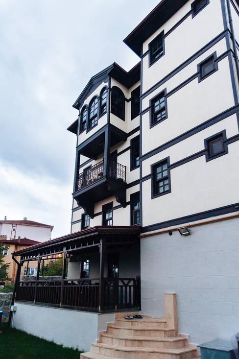 Casas de estilo  por Bilgece Tasarım