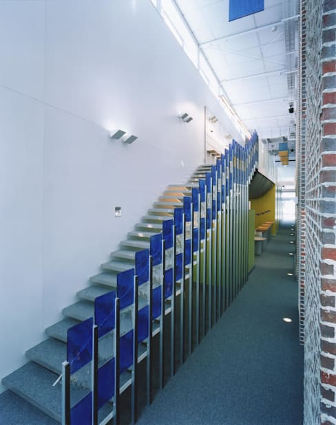 Hành lang by Mアーキテクツ|高級邸宅 豪邸 注文住宅 別荘建築 LUXURY HOUSES | M-architects