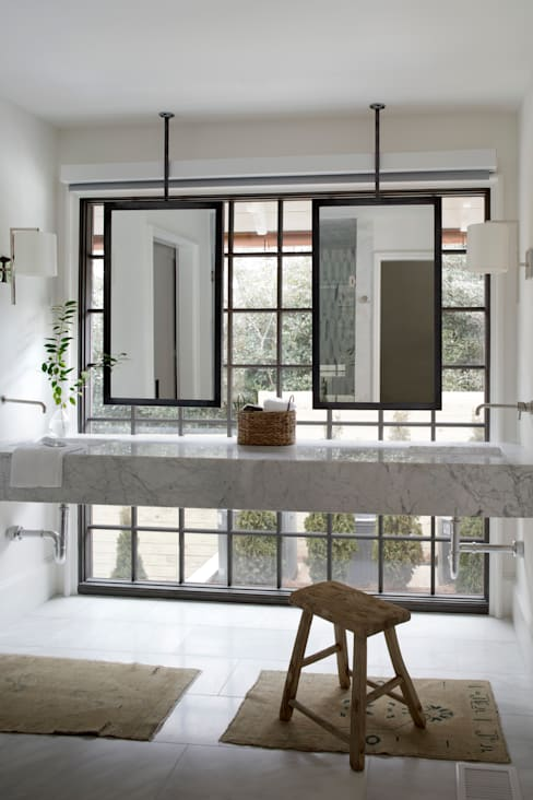 Ridgeview Showhouse:  Bathroom by Christopher Architecture & Interiors