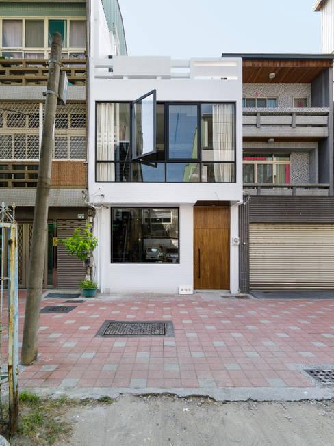 Projekty,  Powierzchnie handlowe zaprojektowane przez 鄭士傑室內設計