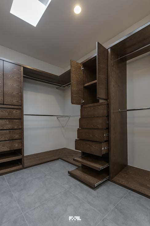Dressing room by 2M Arquitectura