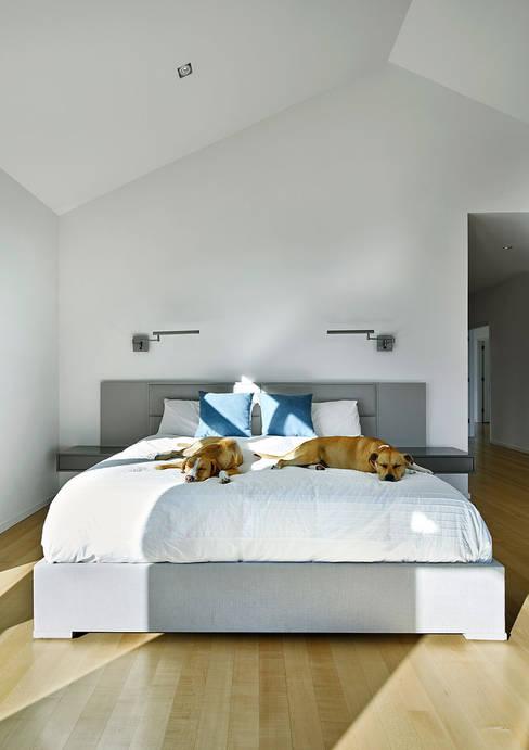 Kamar Tidur by KUBE Architecture