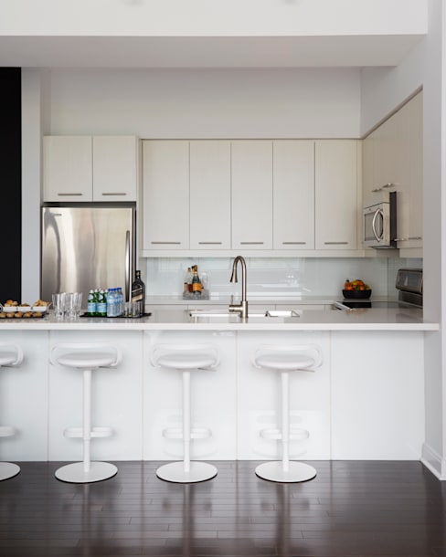 Kitchen:  Kitchen by Douglas Design Studio