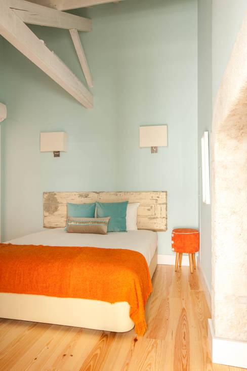Hoteles de estilo  por SHI Studio, Sheila Moura Azevedo Interior Design