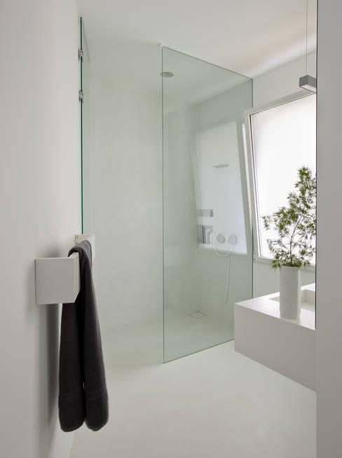 浴室 by ÁBATON Arquitectura