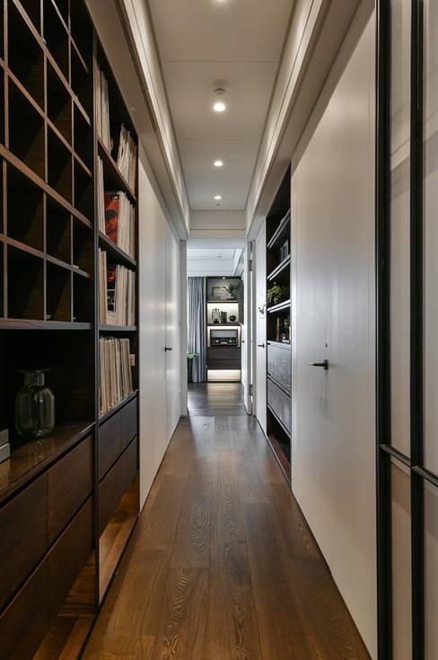 Corridor & hallway by 沐朋設計