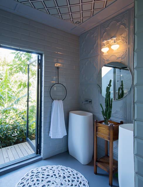 حمام تنفيذ Etienne Hanekom Interiors