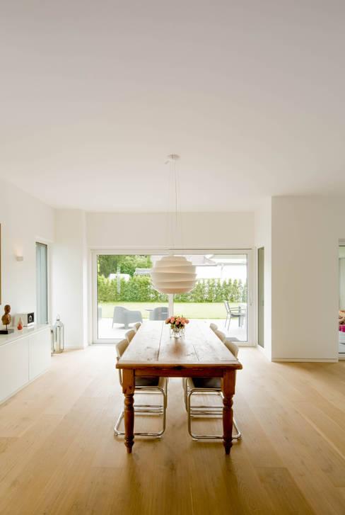 Eetkamer door Ferreira | Verfürth Architekten