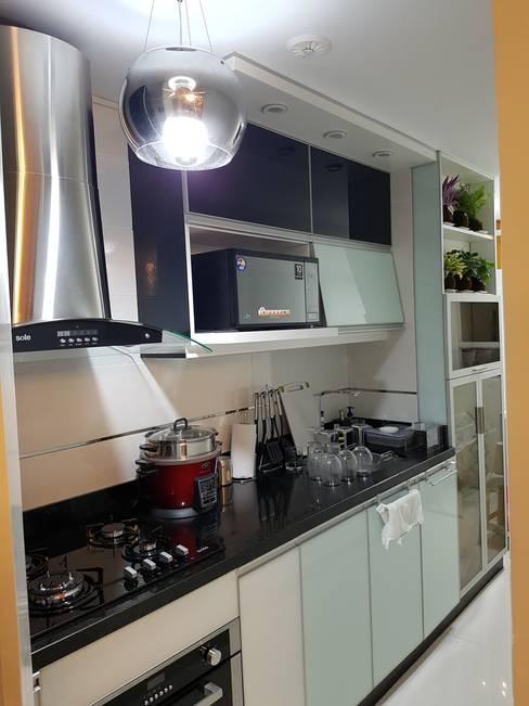 Departamento 87 m2 San Miguel - Lima: Cocina de estilo  por Raúl Zamora
