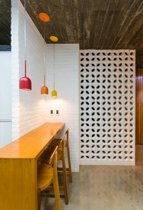 Diego Alcântara  - Studio A108 Arquitetura e Urbanismoが手掛けたキッチン