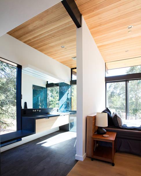 Sacramento Modern Residence by Klopf Architecture:  Bedroom by Klopf Architecture