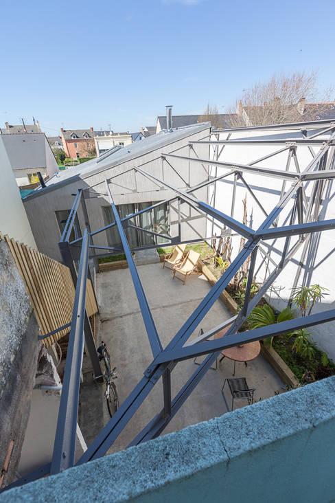 Conservatory by bertin bichet architectes
