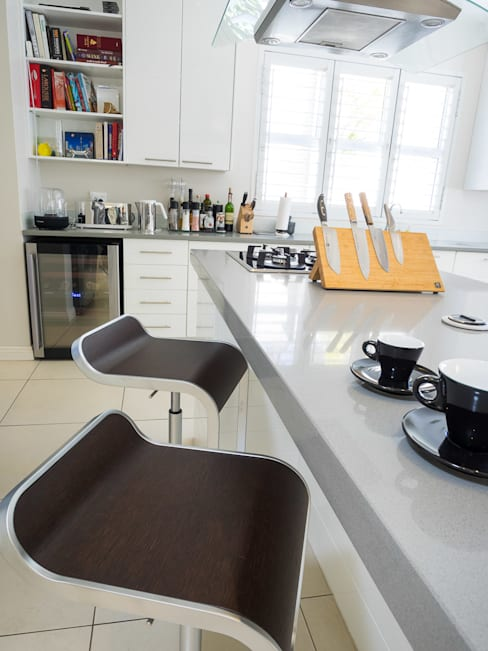 House Morningside:  Kitchen by Principia Design